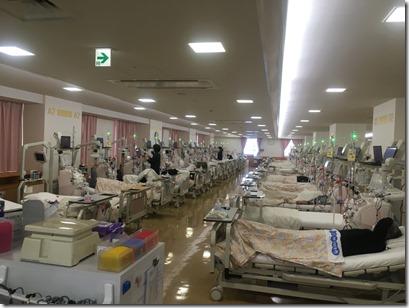 東日本大震災後の計画停電では本当に困ったとおっしゃっていました。横須賀市内最大規模380床の医療法人眞仁会の人工透析施設を視察しました